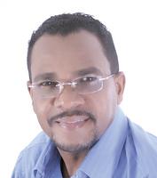 Periodísta Ricardo Paredes