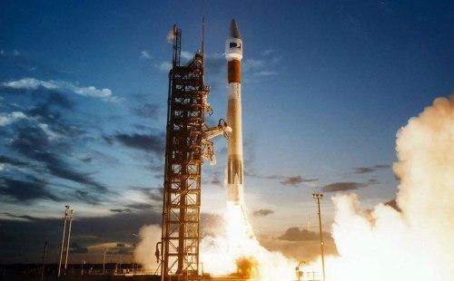 Primer lanzamiento a la luna después de una década